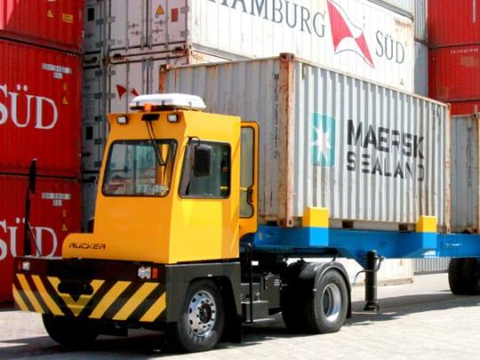 Terminal Tractor; Cavalo de Manobra;